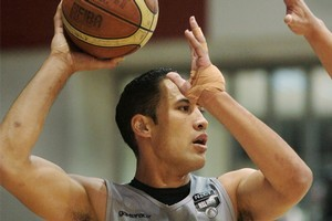 Paora Winitana in action for Christchurch Cougars in 2009. Photo / Hawke's Bay Today