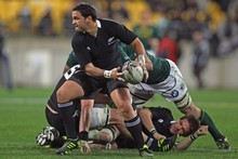 Piri Weepu looks to pass the ball. Photo / Getty Images