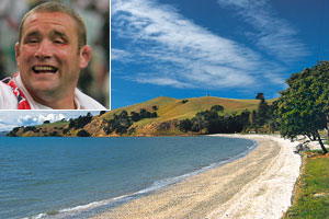 Former England captain Phil Vickery (inset) says New Zealand is 'such a beautiful place'. Photo / Tourism Auckland
