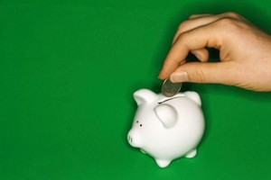 A UMR survey commissioned by the Financial Services Institute of Australasia found 57 per cent of the 1001 people who participated believed retirement savings via KiwiSaver should be compulsory. Photo / Thinkstock