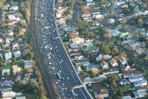 Ridesharing Institute and Auckland University are looking to find ways to remove 100,000 cars a day from Auckland's roads. Photo / Supplied