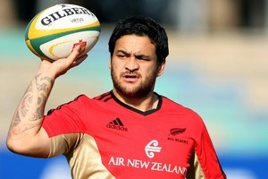 Piri Weepu has been given another chance to assert himself as a favourite against Australia tonight. Photo / Getty Images