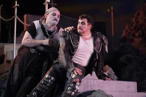 Warwick Fyfe (Tonio) and Rafael Rojas (Canio) in Pagiliacci. Photo / Neil Mackenzie