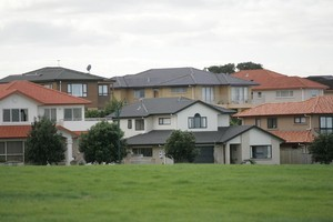 The Auckland average house price rose slightly to $531,042 during August. Photo / Herald On Sunday