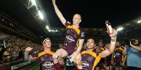 Brisbane's match-winner Darren Lockyer is chaired off the pitch. Photo / Getty Images