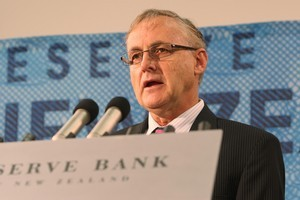 Reserve Bank Governor Alan Bollard may decide that the high dollar is acting as a drag on the economy. Photo / Mark Mitchell