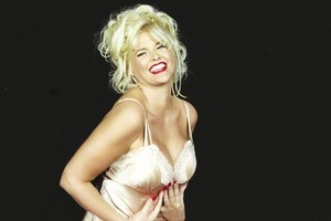 Anna Nicole Smith died from an accidental overdose. Photo / Supplied