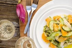 Chicken,orange and cucumber with mint, peanut and yoghurt dressing. Photo / Babiche Martens