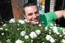 Justin Newcombe extols he virtues of certain plants to attract good guys a