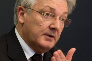Associate Health Minister Peter Dunne. File photo / Mark Mitchell