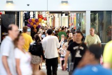 Retailers are expecting a bumper end to 2011, according to the latest survey of business opinion. Photo / Herald on Sunday