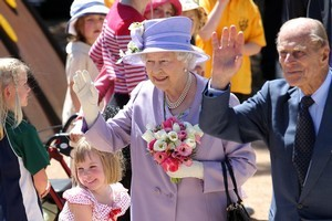 Queen Elizabeth II meets Madison Sporer during the official tour of Australia Thursday in Canberra. Photo / Daily Telegraph