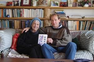 Patricia Davison and her son Sean Davison. Photo / Supplied