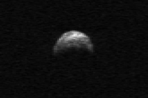 This image made from radar data by the Arecibo Radar Telescope in Puerto Rico shows asteroid 2005 YU55. Photo / AP
