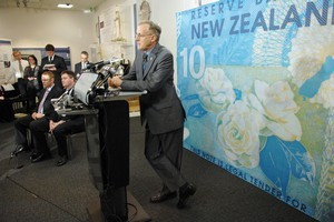 Reserve Bank governor Alan Bollard (pictured) already has the power to freeze bank deposits but up until now hasn't had the technical ability. Photo / NZPA