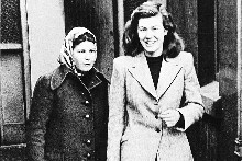 Pauline Parker (left) and Juliet Hulme on way to preliminary court hearing in 1954. Photo / Christchurch Star