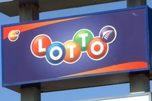 The man walked into the Lotto shop at midday and demanded cash. Photo / NZPA