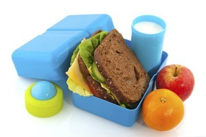 A healthy lunchbox should include two pieces of fruit, one serve of dairy, yoghurt, milk or cheese, and three to four serves of carbohydrate. Photo / Thinkstock