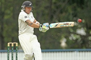 Brendon McCullum of New Zealand pulls during day one against Australia A. Photo / Getty Images