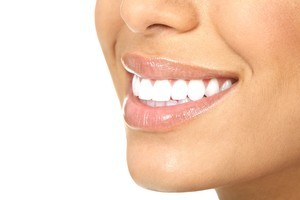 Want whiter teeth? An Australian study suggests you should sidestep those expensive fancy whitening toothpastes. Photo / Thinkstock