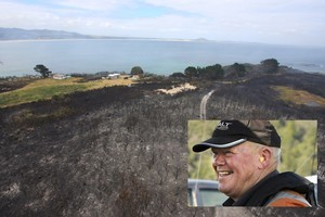 Northland pilot John 'Prickles' de Ridder (inset) was flying into fiery conditions when his helicopter crashed last night. Photo / SNPA Images/Petrina Hodgson