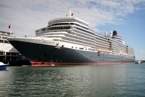 Cunard's Queen Elizabeth in Auckland. The company has had to change the registered home port of its luxury liners from Southampton to Hamilton, Bermuda to get around a British law banning weddings on ocean-going ships. Photo / Natalie Slade