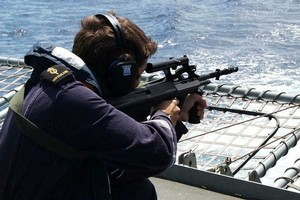 Able Communications Operator Jon Dagger of Whangarei takes aim with the Steyr rifle which will be continued to be issued to soldiers along with the new marksman's rifle. File photo / Supplied