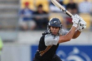 Ross Taylor (pictured) and Brendon McCullum have both stated a desire to succeed Daniel Vettori as Black Caps captain. Photo / APN
