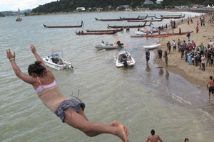 Leaping from Waitangi Bridge on Waitangi Day, February 6. File photo / Northern Advocate