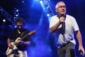 Ian Moss and Jimmy Barnes of Cold Chisel perform . Photo / Getty Images