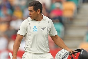 Ross Taylor of New Zealand leaves the field after being dismissed by Peter Siddle of Australia. Photo / Getty Images