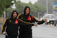 Newly signed Aaron Cruden (left) and Toby White start hitching to Ohope. Photo / Christine Cornege 