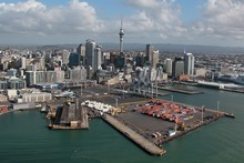 Unionists are accusing Ports of Auckland of trying to wreck family Christmas celebrations. 