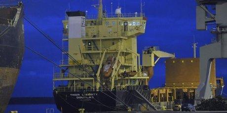 Buque de carga M / S Thor Libertad en el puerto Mussalo en Kotka, Finlandia.  Foto / AP