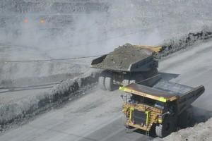 Oceana Gold opencast mine near Dunedin. Photo / Grant Bradley