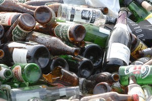 Drinkers like to think only binge boozing is harmful but that's not so, says activist group. Photo / NZPA