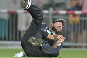 Daniel Vettori takes a catch during the fourth ODI against Pakistan. Photo / Getty Images