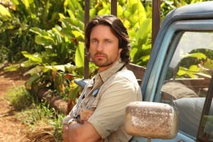 Martin Henderson is brooding and hot with his shirt off in 'Off The Map'. Photo / Supplied