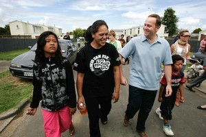 Aroha Nathan and her mother Joan show John Key around McGehan Close in 2007. Photo / Chris Skelton