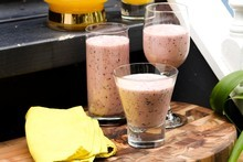 Blueberry, honey, oat and cardamom smoothie. Photo / Babiche Martens
