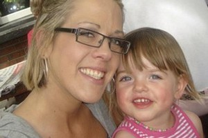 Julie Vernon and her 3 year old daughter Peyton. Photo / Supplied