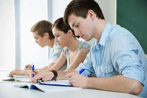 Compared to other OECD countries, New Zealand's tertiary students get a good deal. Photo / Thinkstock