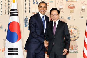 South Korean President Lee Myung-bak, right, and US President Barack Obama. Photo / AP