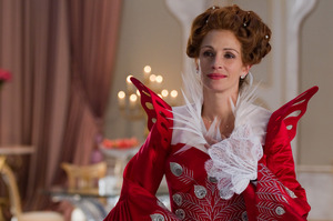 Julia Roberts as the evil Queen in the Snow White movie Mirror Mirror. Photo / AP