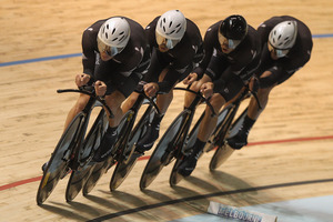 Picking the right pursuit team for the London Olympics will not be easy for BikeNZ.  Photo / Getty Images