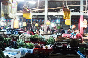 The chaotic Jimbaran vegetable market in Bali, a mad sensory overload of the beautiful and confronting where you can buy everything from bras to bananas. Photo / Zoe Walker