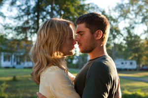 Taylor Schilling says she had a comfortable working relationship with Zac Efron on The Lucky One. Photo / Supplied