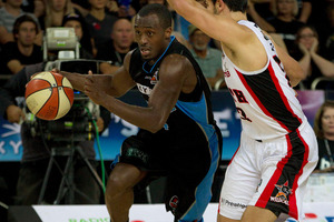 Breakers player Cedric Jackson heads for the hoop during last night's game. Photo / Sarah Ivey