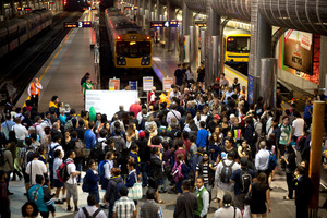 Passengers stranded at the Britomart station yesterday afternoon after a fault in Wellington shut down Auckland's entire rail network. Photo / Dean Purcell