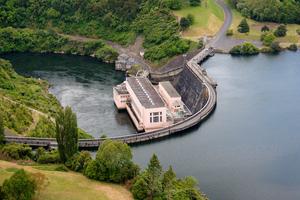 The dam at the northern end of Lake Karapiro in the Waikato. Photo / Sarah Ivey